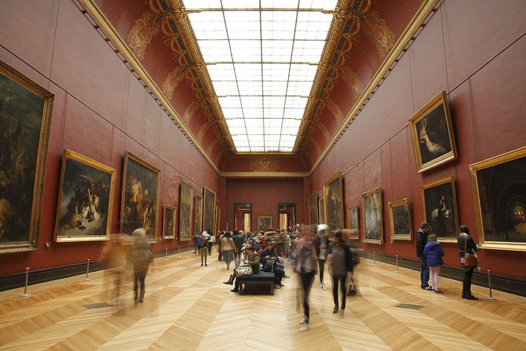 Photo salle rouge musée du Louvre